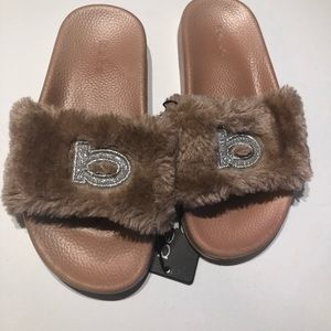 5/$25 Bebe girls faux fur sandals  2/3 blush pink